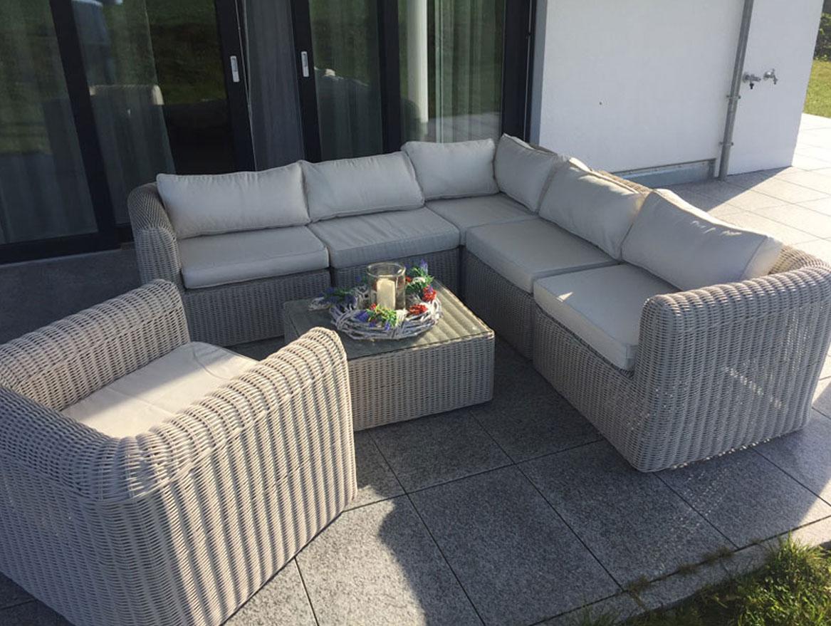 sofa schnelle lieferung latest sofa burtnieks hawea mit kissen von home u haus schnelle. Black Bedroom Furniture Sets. Home Design Ideas